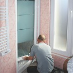 fixer-porte-de-douche-etape-5-fixer-profiles